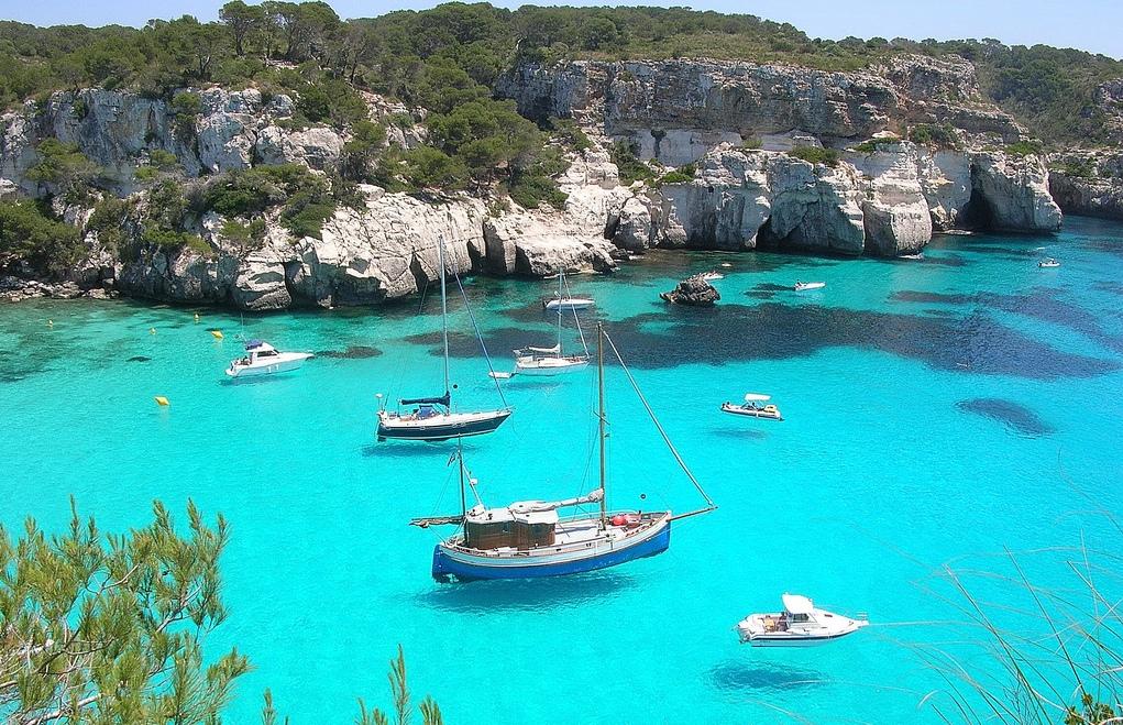 Menorca Mar ¿No os apetecería un baño en este entorno tan bello?