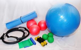 implementos1 Pilates con implementos (Fitball, Bossu, Magic Circle, Flex Band, Foam Roller)