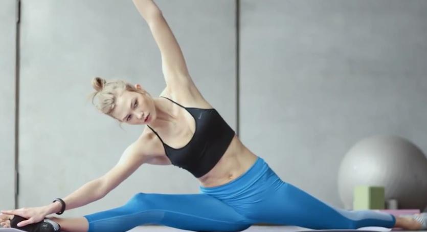karlie1 Cien motivos para practicar yoga a todas las edades (y sexos)