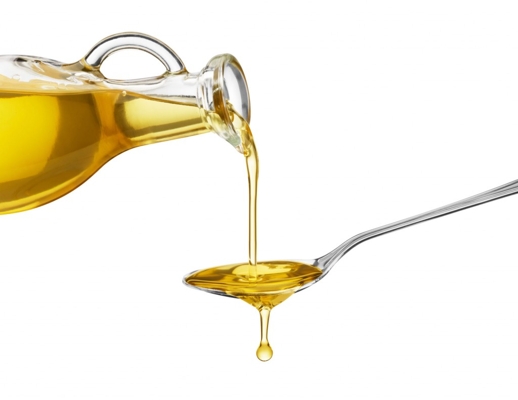 oil pulling 1 1024x791 Oil pulling para la higiene y belleza de la boca (Miranda Kerr o Gwyneth Paltrow son fans de esta técnica)